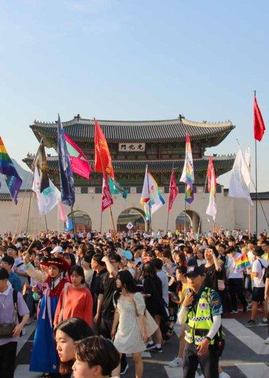 ソウルのクィアパレードから – 1 thumbnail