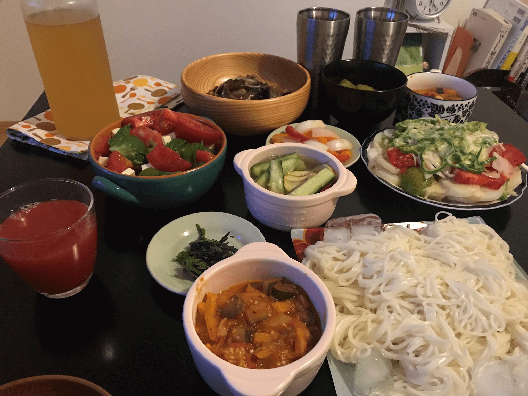 テーブルいっぱいの瑞穂ちゃんの手料理