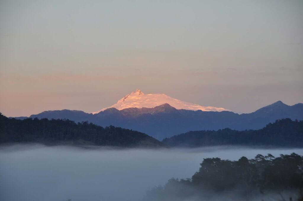 メルモユ火山の写真