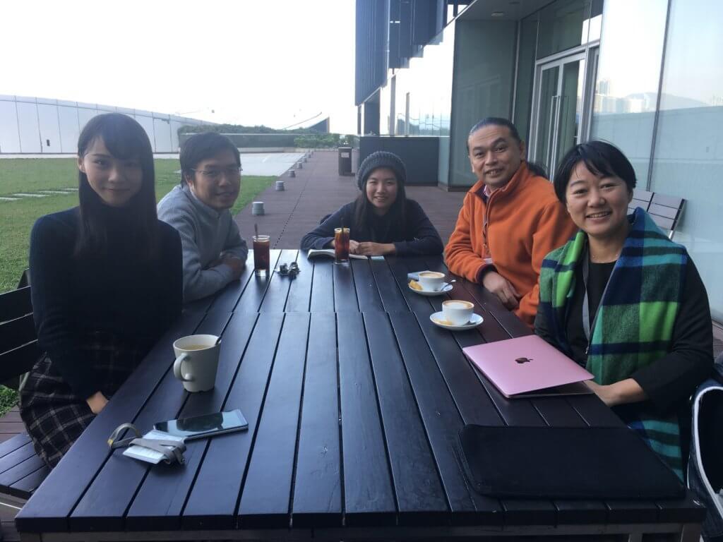 香港立法会のカフェにて